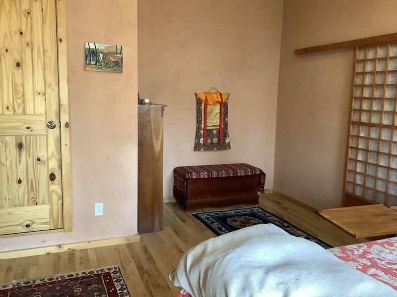 Large bedroom w/skylight, 1/2 bath, hrdwood floors in Boulder, CO