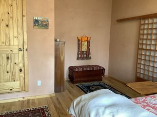 Large bedroom w/skylight, 1/2 bath, hrdwood floors in Boulder, CO