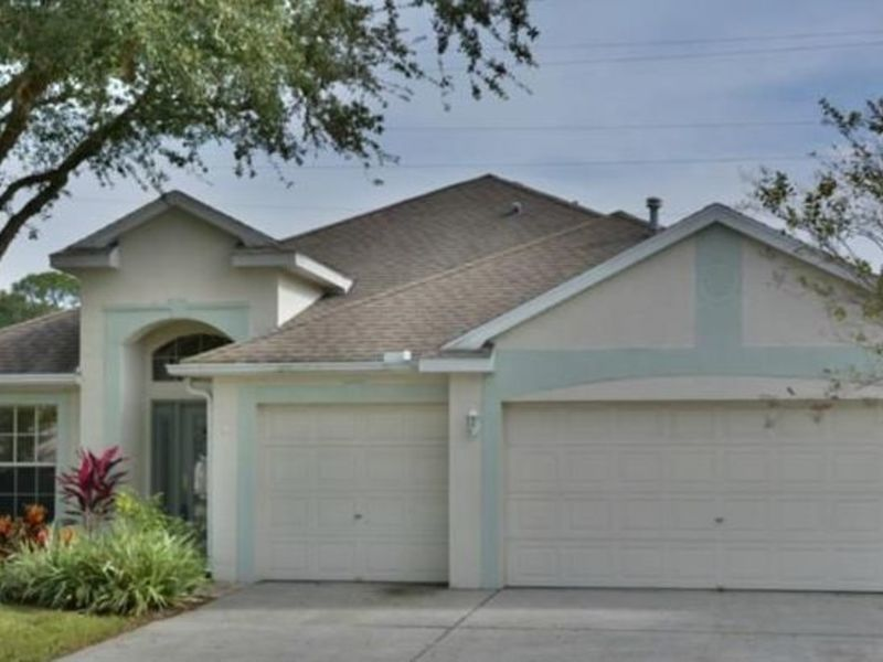 Beautiful pool home in gated community. in Tampa, FL