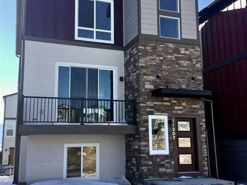 Very Modern Newly Built Townhome in Colorado Springs, CO