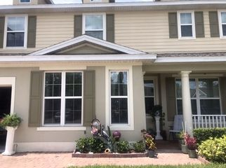 Large new townhouse overlooking the communitypool  in St.Cloud, FL