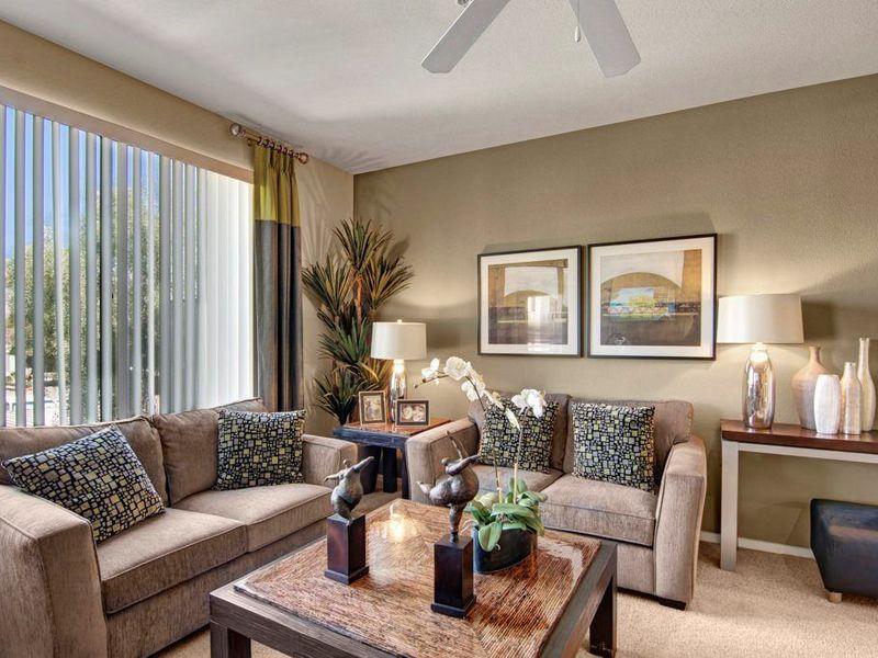 Very nice apartment complex in Phoenix , AZ