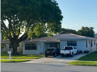 Efficiency with private entrance, full kitchen  in Dania Beach, FL