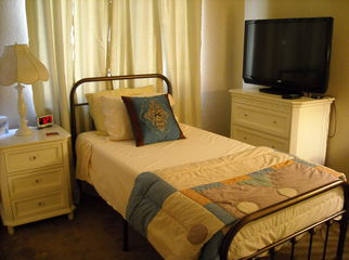 Furnished room East Palmdale in PALMDALE, CA