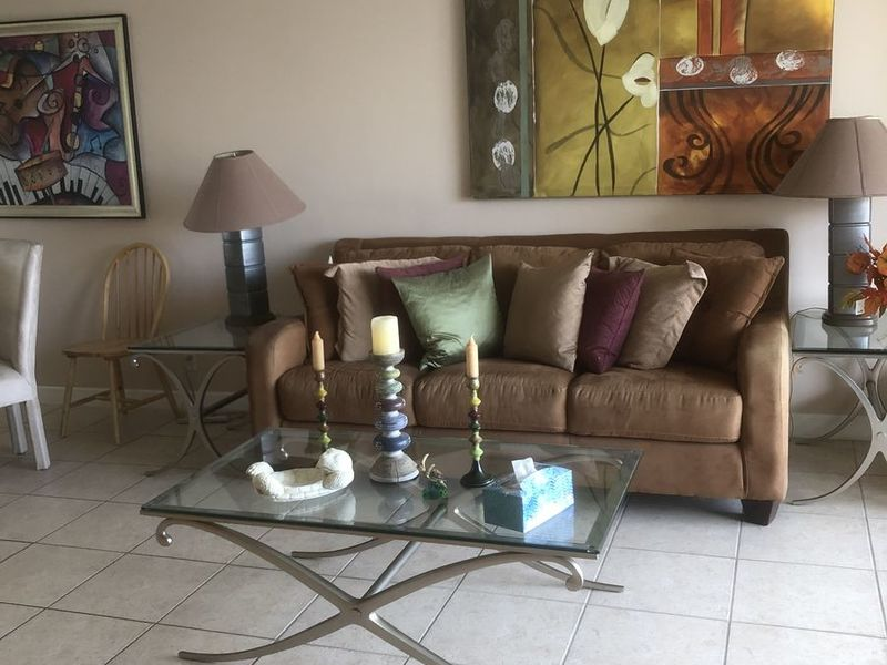 Quiet, Comfortable, Furnished Master-bedroom in Lauderdale lakes , FL