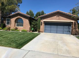 Golf course views in family oriented community in Temecula, CA