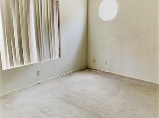 Spacious Bedroom in Townhouse; great location in Sherman Oaks, CA