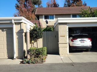 Newly Remodeled Townhome, Quiet Nbrhd in Cypress, CA