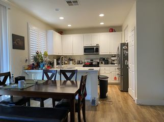Looking for a roommate in a quiet West Irvine home in IRVINE, CA