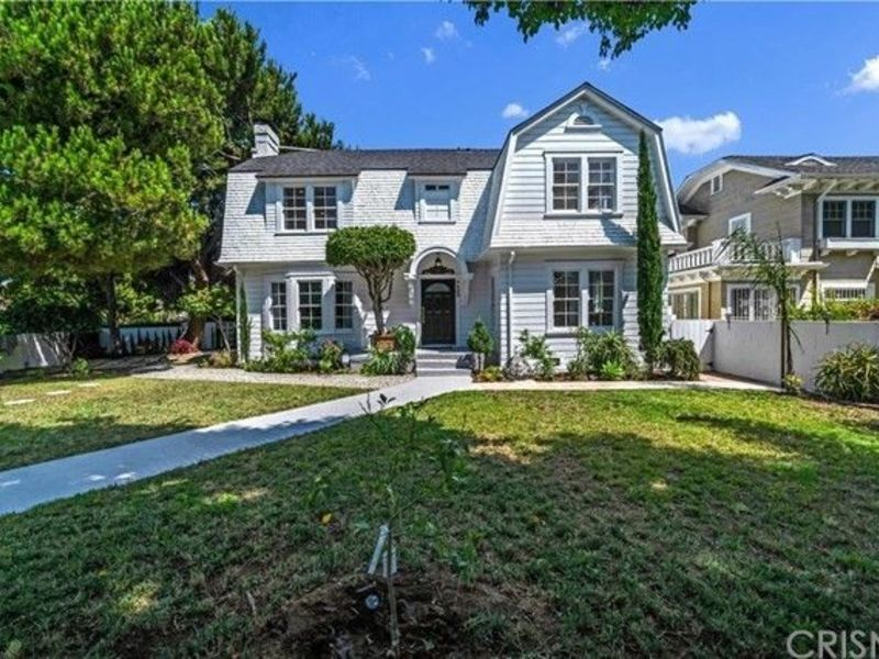 Beautiful home in the Historic Wilshire Park area. in Los Angeles, CA
