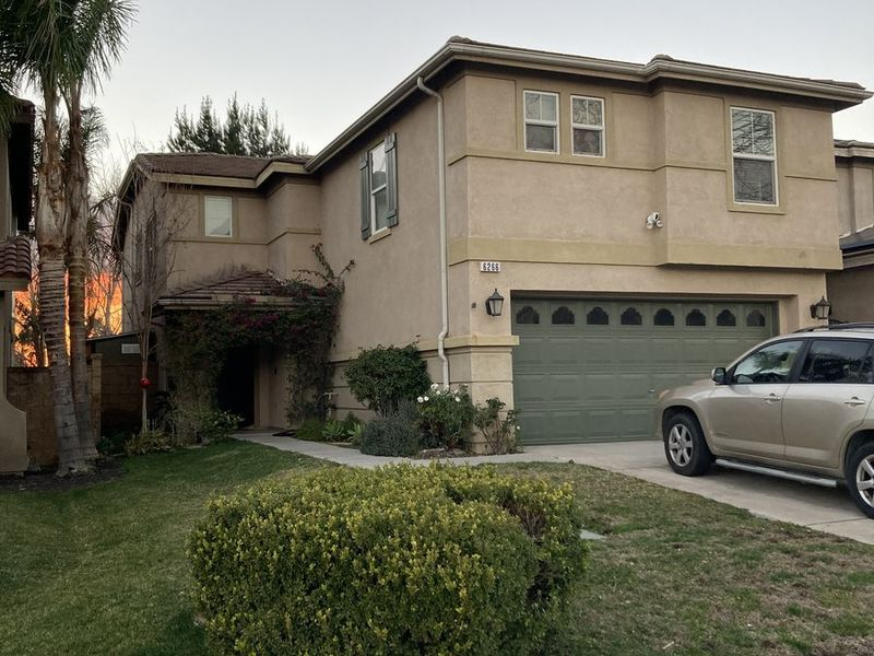 Room for rent + storage room, in 4 bedroom house. in Fontana, CA
