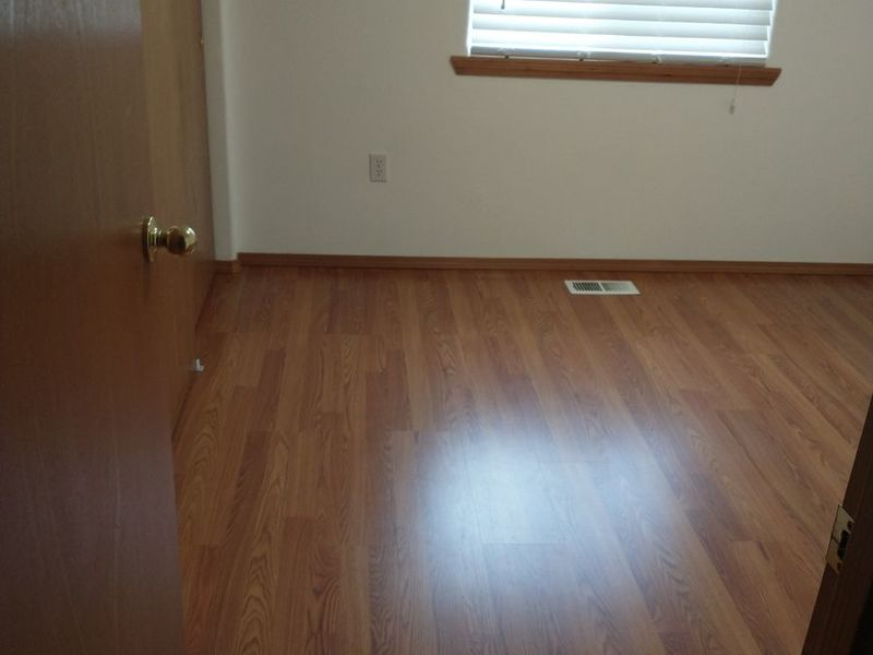 Single Room, w/other house privileges/quiet neighb in Maywood Park, OR