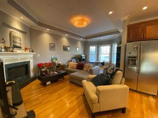 Private Room in 3 bed 2 bath-Big Kitchen+Back Deck in San Francisco, CA