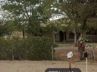 House on large lot  in Hesperia , CA