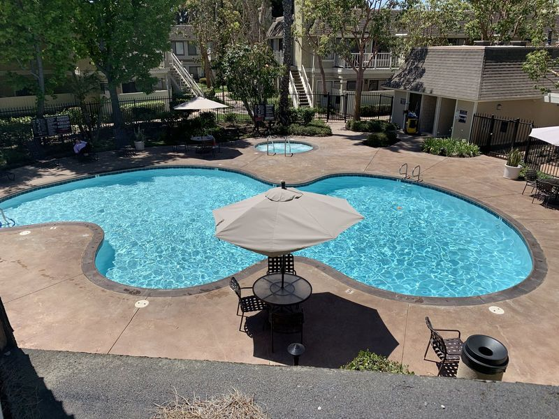 Poolside great private house share in Costa Mesa, CA