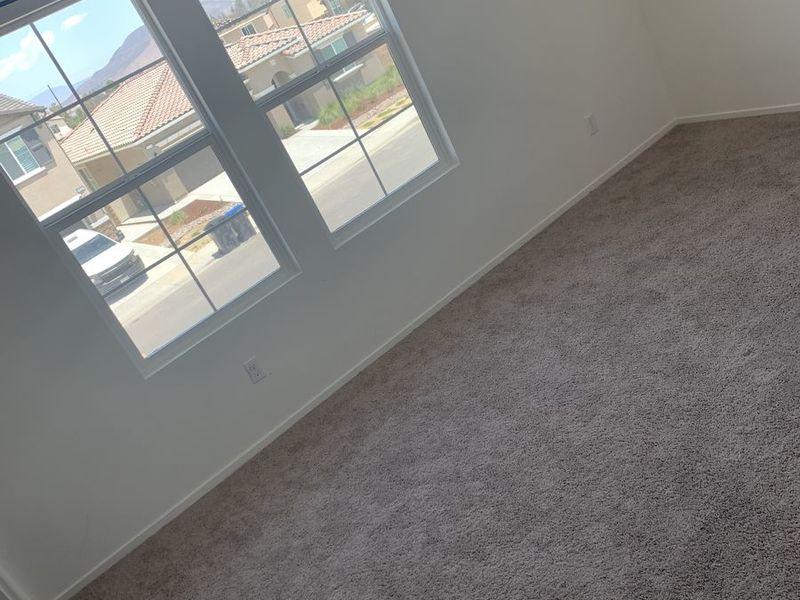 Very spacious quiet neighborhood room  in Murrietta, CA