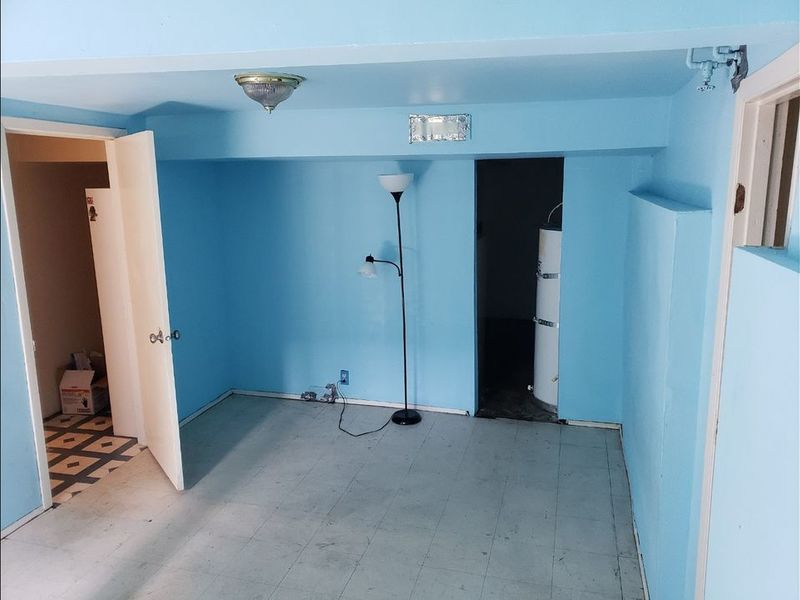 Rooms available in large 3 story home in Portland, OR