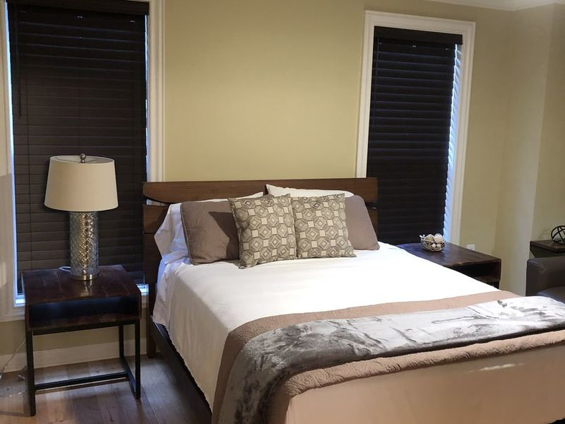 Centrally located to Vinings and Nearby Shopping in Atlanta, GA