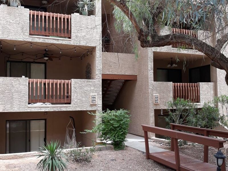 Quiet, private bedroom & bath available  in SCOTTSDALE, AZ