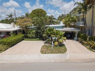 Amazing 1/1 Villa located STEPS from the BEACH in Lauderdale By the Sea, FL