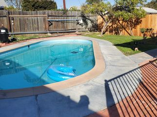 3 bedroom house, pool and car space in Brea, CA