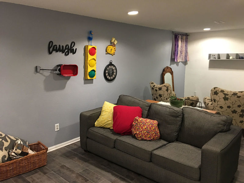 1100 sq ft apt - 1bd WITH roommate-BIG, bright in Arvada, CO