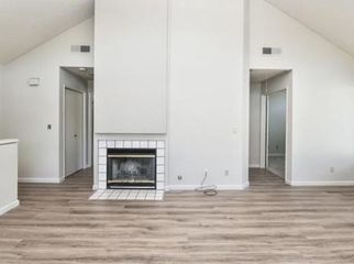 Quiet Neighborhood Condo Share - 1 Bedroom and Private Bath  for Rent in a 2 BDRM/2 BATH Condo with Sun Deck and Washer Dryer in Pinole, CA