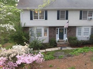 Quiet 2 story home close to shopping  in Lilburn, GA