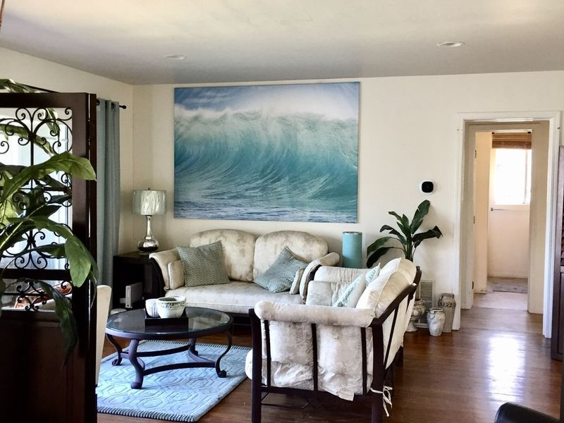 Shared 3 Bedrooms 2 Baths off Hwy8 at Ocean Beach in San Diego, CA