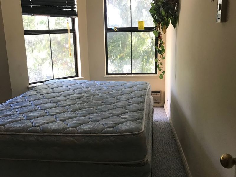 Room and bathroom rental, and use of Kitchen. in Francisco, CA