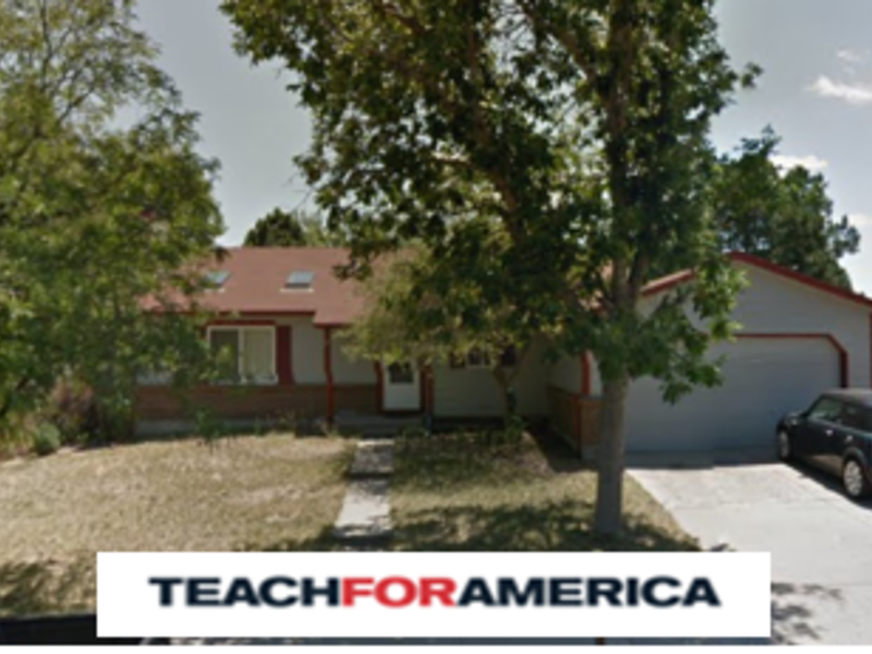 Tri-level single family home on quiet street in Aurora, CO