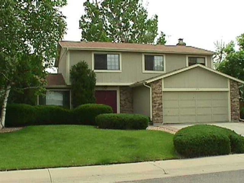 Great location close to shopping, highway in Aurora, CO
