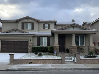 Large Quiet Comfortable Home near a Park in Hesperia, CA
