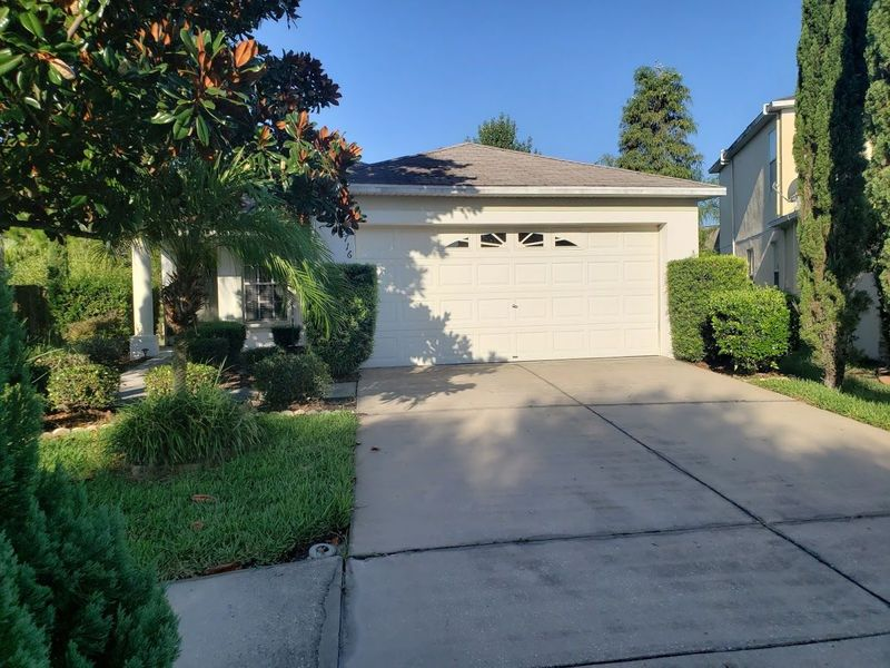 Quiet neighborhood, private backyard and pool in Riverview, FL