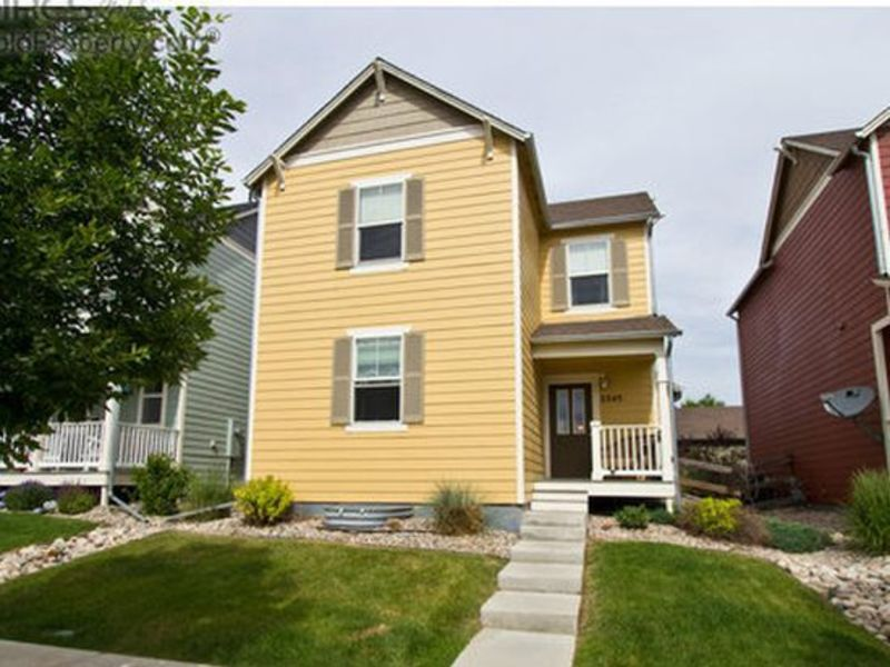 Quiet family neighborhood; pool, hiking trails. .  in Fort Collins, CO