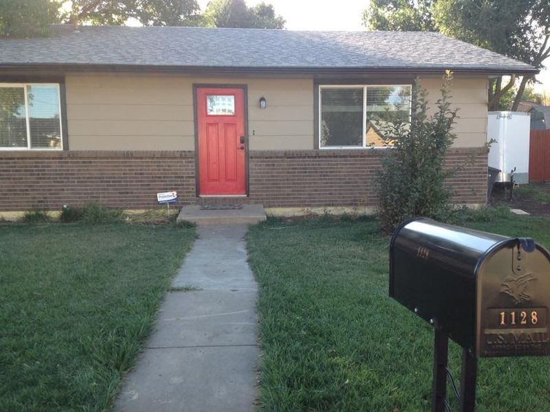 Cute pet friendly house with available room! in Colorado Springs , CO
