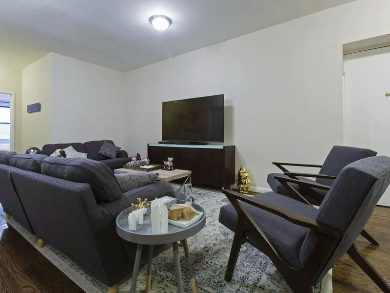 Beautiful Private 1 Bedroom Apartment  Available in Los Angeles, CA