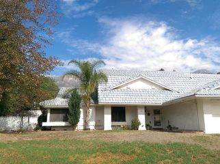 Large family estate house with opened rooms in Alta Loma, CA