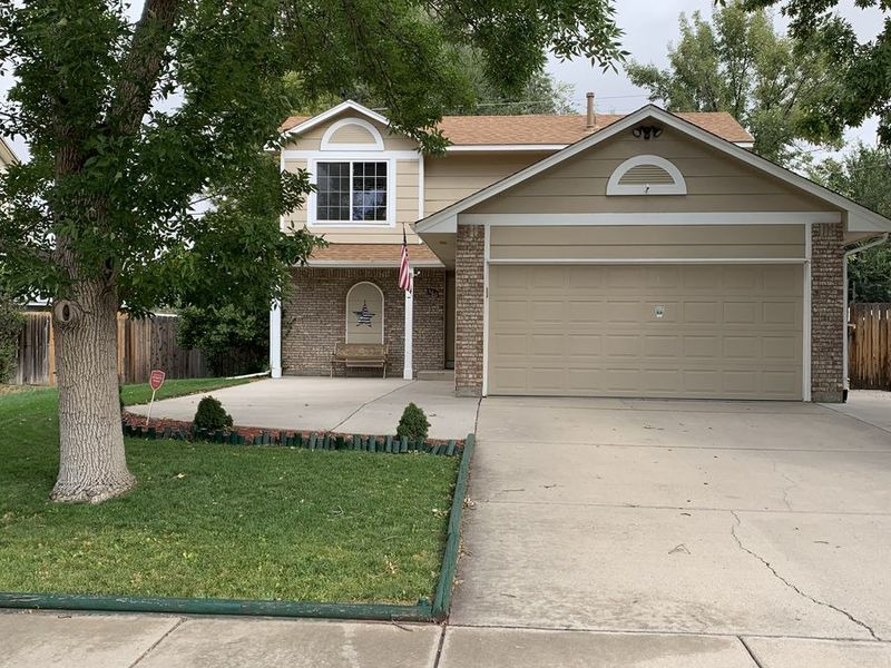 2 bedrooms upstairs with private bath.   in COLORADO SPRINGS, CO