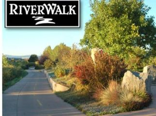 Riverwalk Townhome on golf course-room to rent  in Littleton , CO