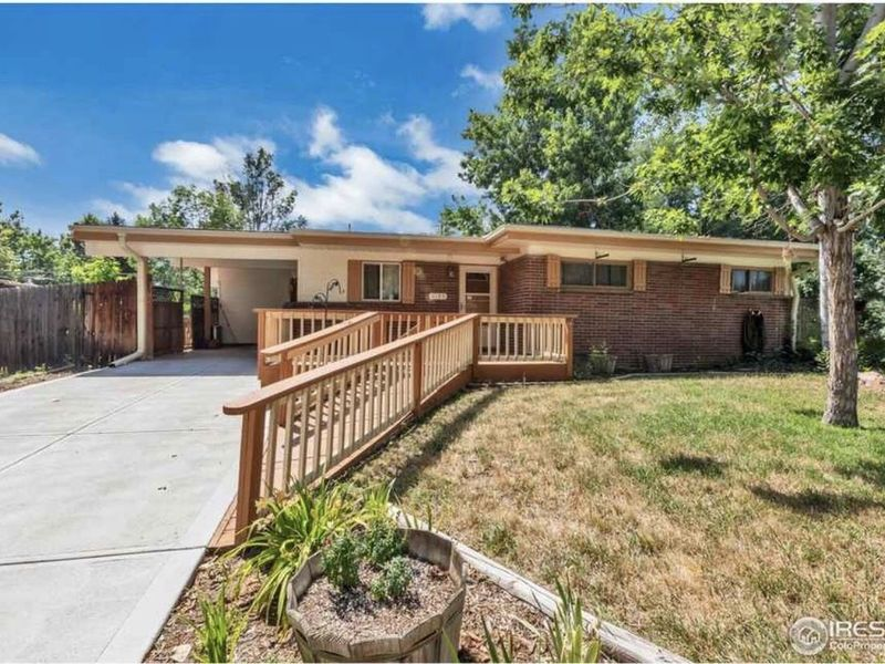 Quiet home, GREAT neighborhood with HUGE backyard! in Arvada, CO