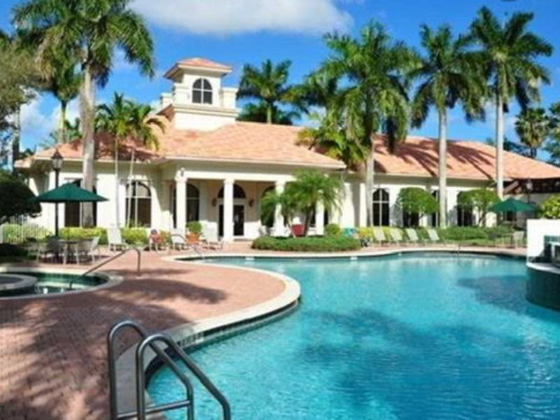 PRIVATE GATED COMMUNITY **ALL AMENITIES INCLUDED  in Hollywood, FL